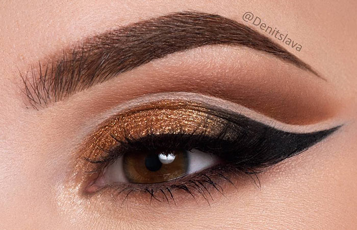 Gold-Eye-Shadow
