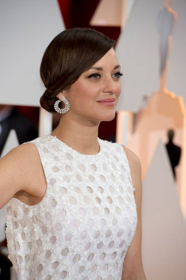 Marion-Cotillard-Twisted-Bun-Hairstyles