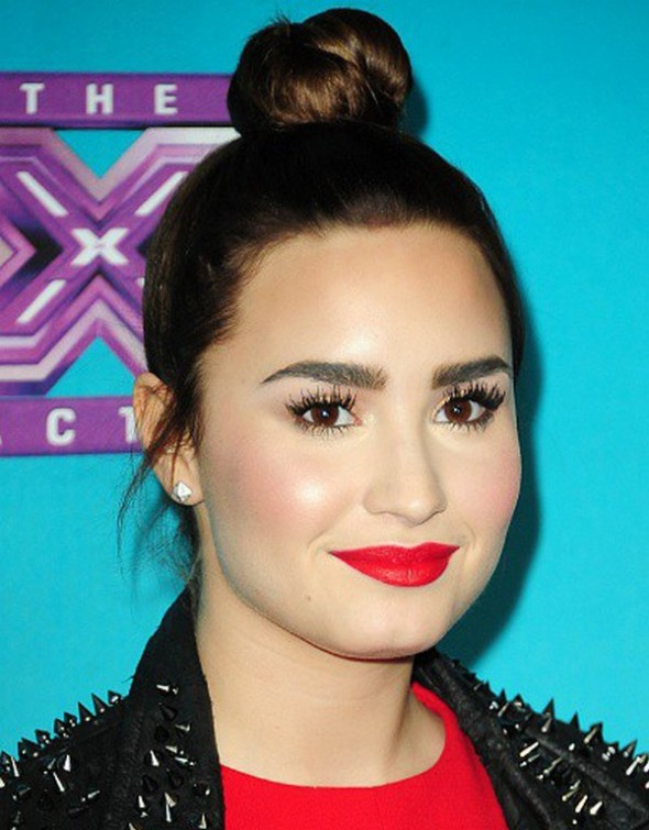 Top-4-eyebrows-Thick-For-Eye-makeup-0-590x755